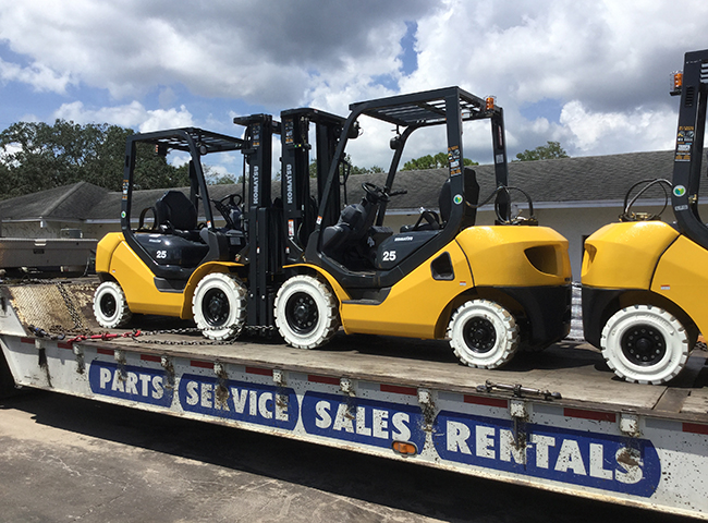 New Komatsu FG25T-16 Forklifts!