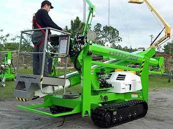TD50 Tracked Spider Lift