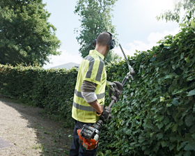 Husqvarna 327HE4 Hedge Trimmer