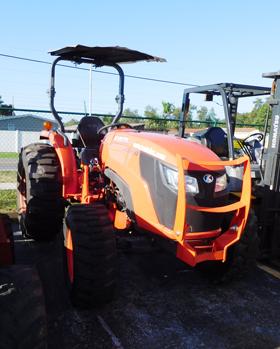 Kubota MX5200 4x4 Mid-Size Tractor